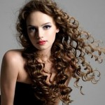 How to Style Curly Hair: Do's and Dont's
