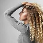 styling curly hair with gel