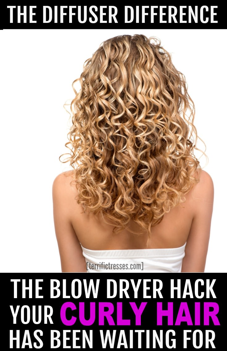 Anyone who wants curls that pop should know how to use a hair dryer diffuser.  This quick tutorial shows you how easy it is to use this awesome tool for curly hair.  | TerrificTresses.com