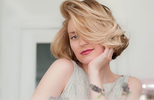 how to layer short hair yourself