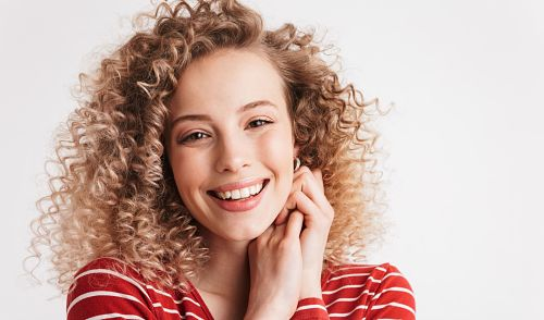 how to apply gel to curly hair