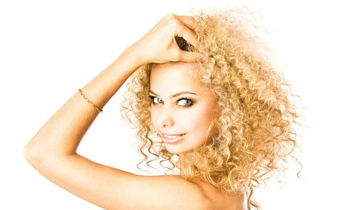 how to keep curly hair from frizzing overnight