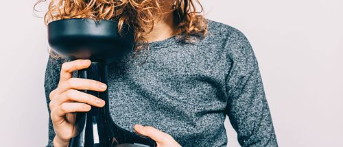 how to prevent curly hair from frizzing, curly hair diffusing tips